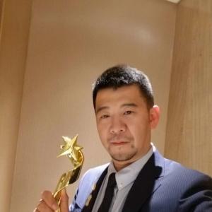 杨威老师获得2018中国宠物产业文化发展颁奖典礼!犬展审查员先锋奖!